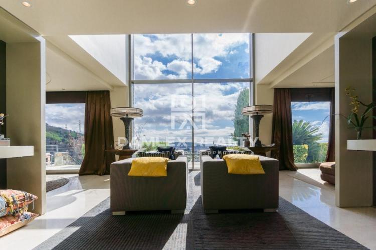 Stunning luxury villa near Barcelona