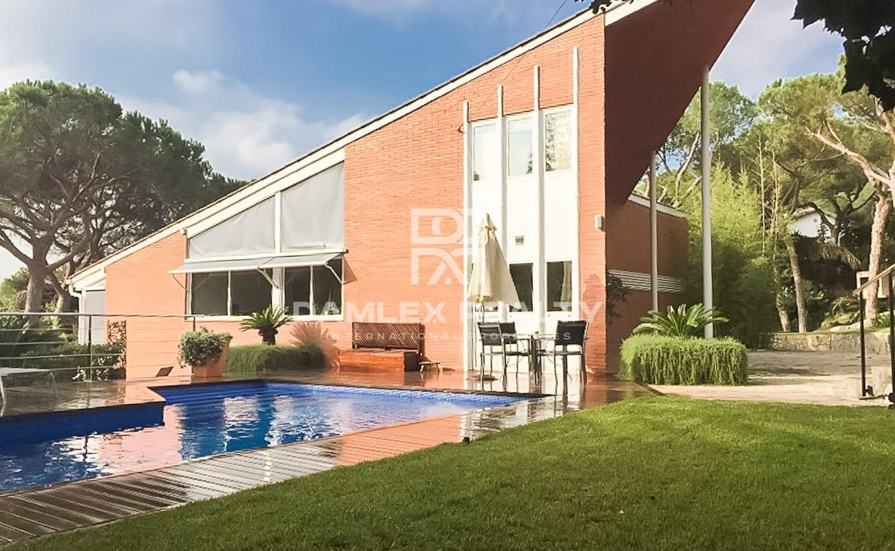 Villa on the outskirts of Barcelona, Costa Maresme.
