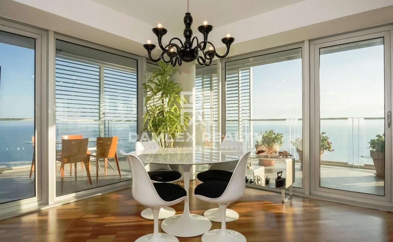 Apartment with sea view in a modern residential complex in Barcelona