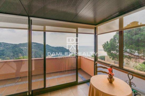 Villa with sea views in the urbanization of Cala Canyelles