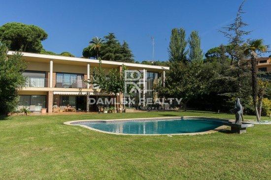 Modern villa in Sant Andreu de Llavaneres