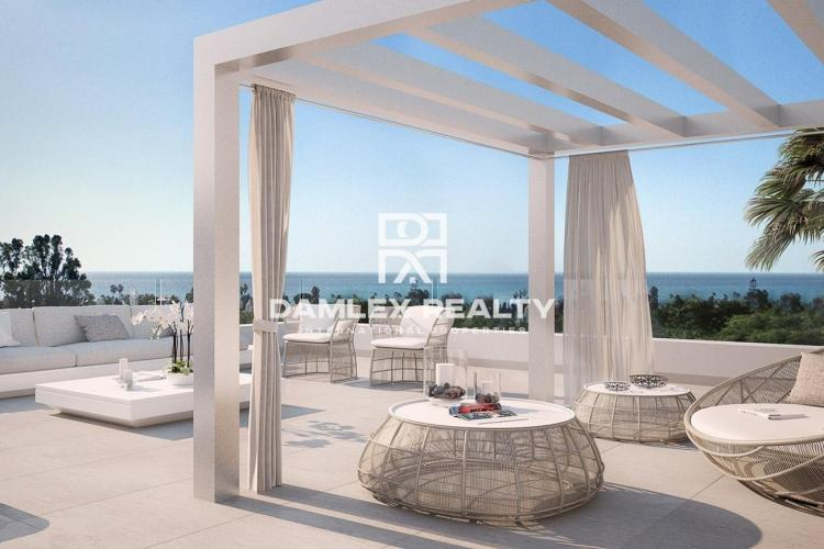Contemporary 2, 3 and 4 bedroom apartments and penthouses in the New Golden Mile