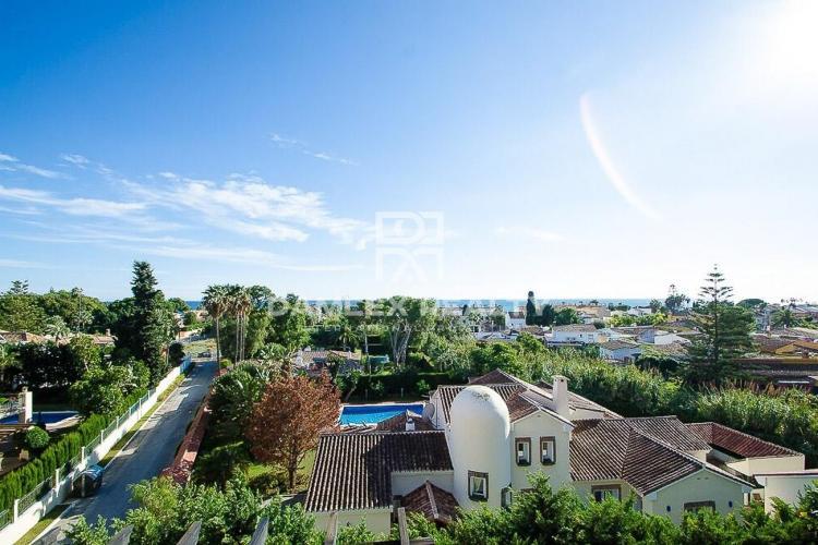 Duplex near the sea in Estepona. Costa del Sol