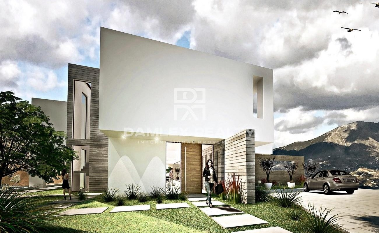 New villa under construction with a large plot on the Costa del Sol