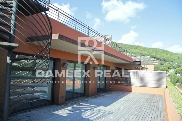 New apartment with sea views. Begur