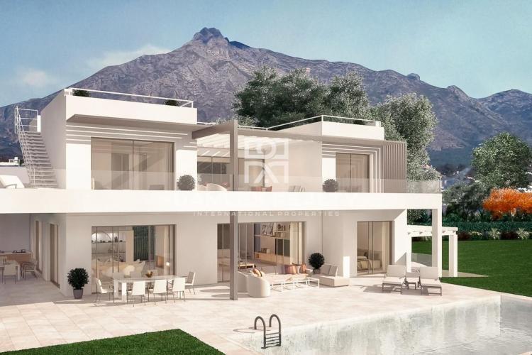 New villa in a prestigious urbanization of Marbella, on the famous Golden Mile.