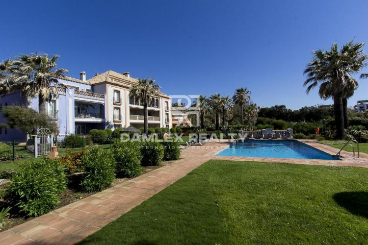 Apartments in a residential complex on the first line of the sea. Costa del Sol