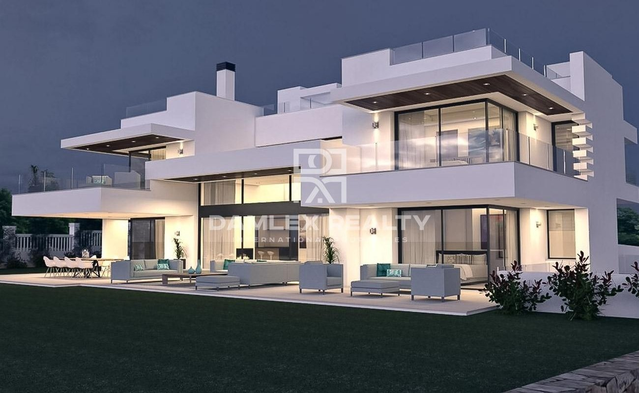 New luxury villa near the beach