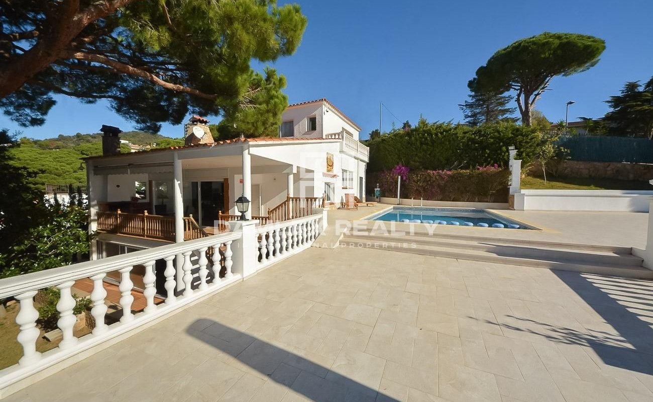 House 700 meters from the bay of Cala Canyelles, Costa Brava