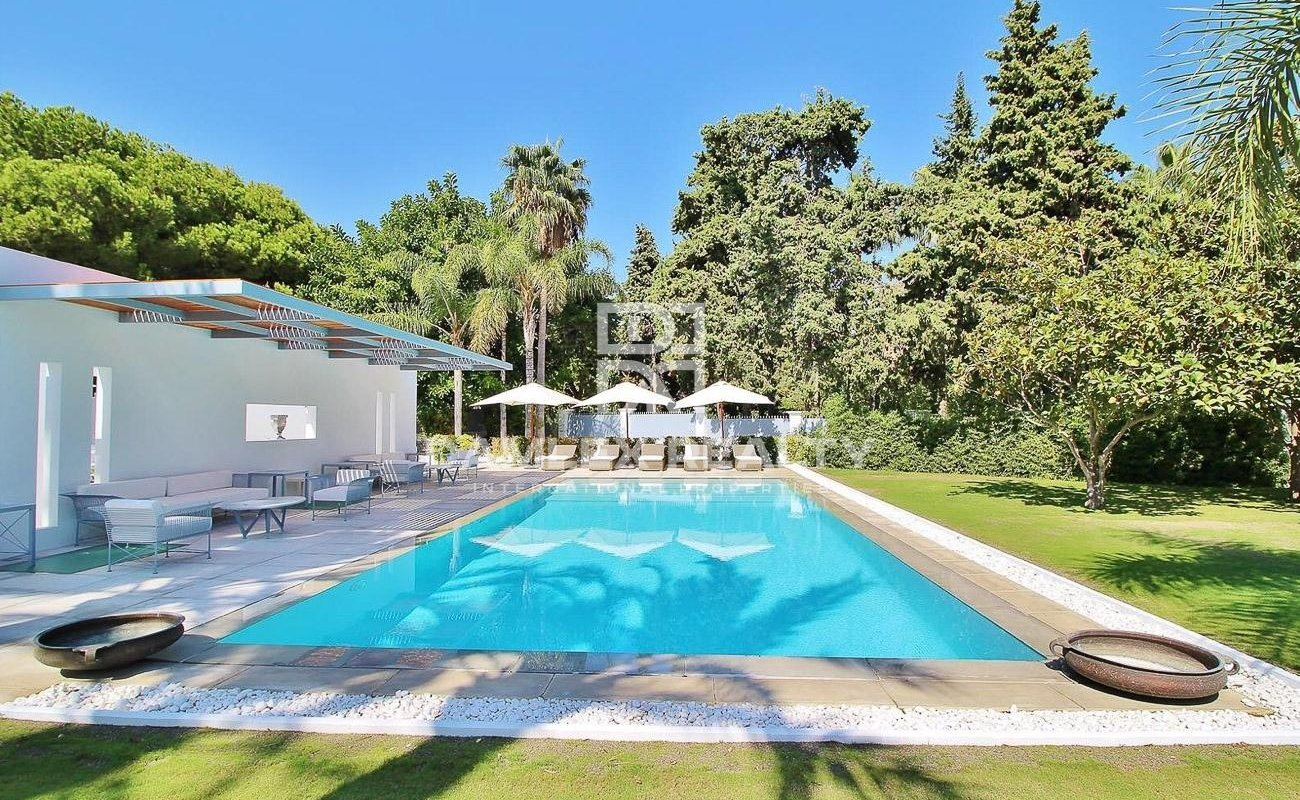 Luxury villa 500 meters from the beach. Marbella