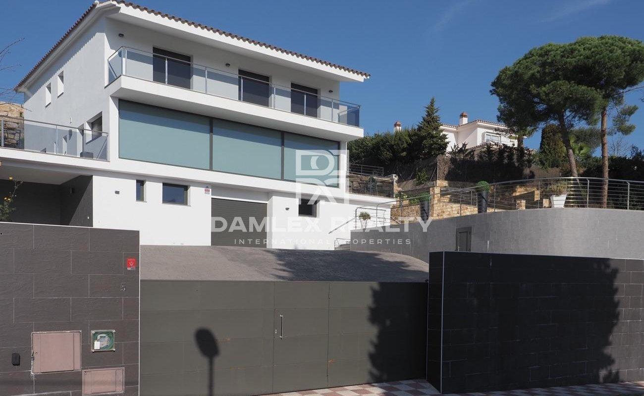 Villa with tourist license on the Costa Brava