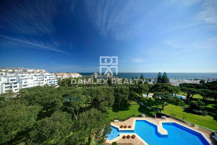 Luxury apartments 150 meters from the beach of Puerto Banús