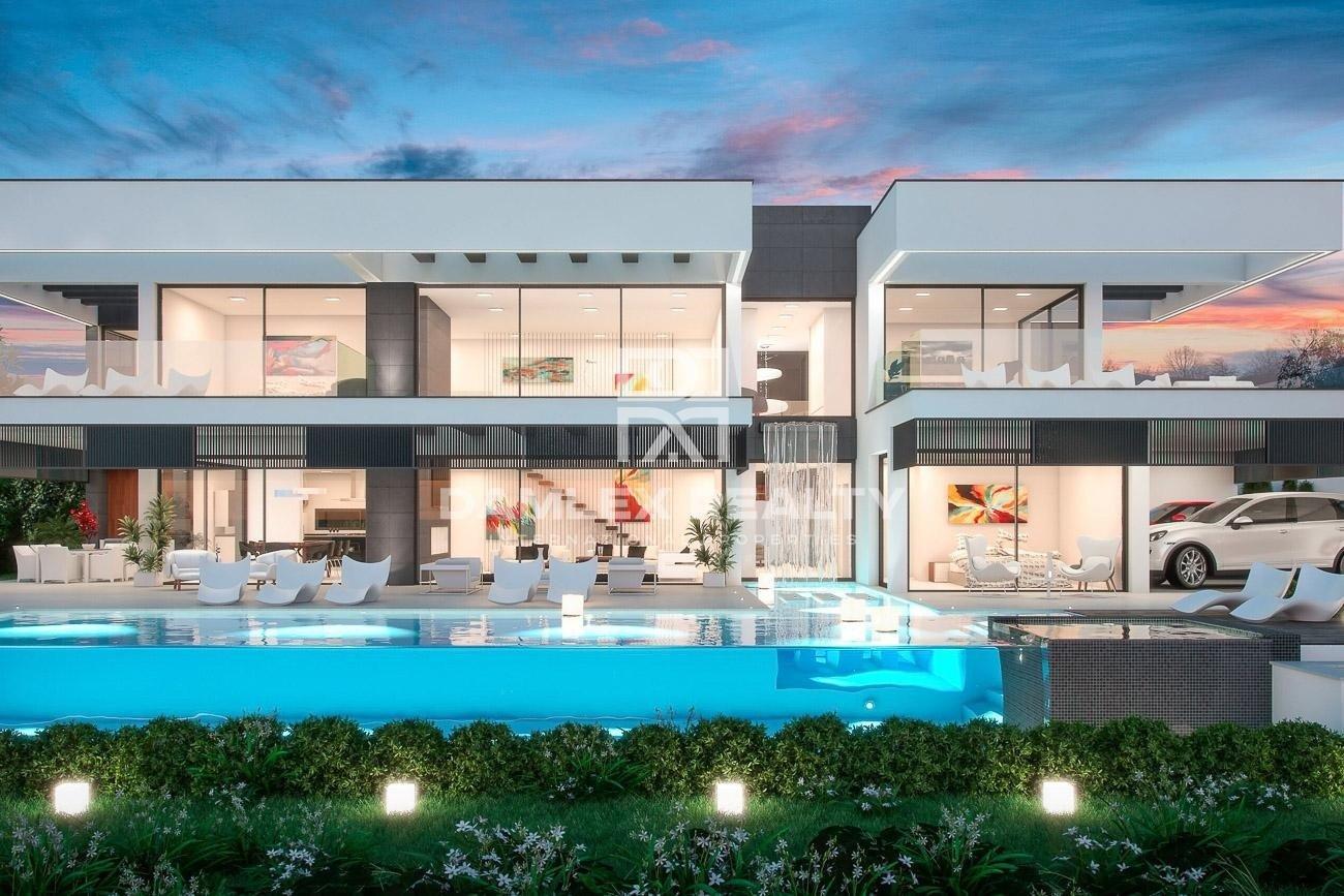Villa with sea views in Nueva Andalucia, Marbella.