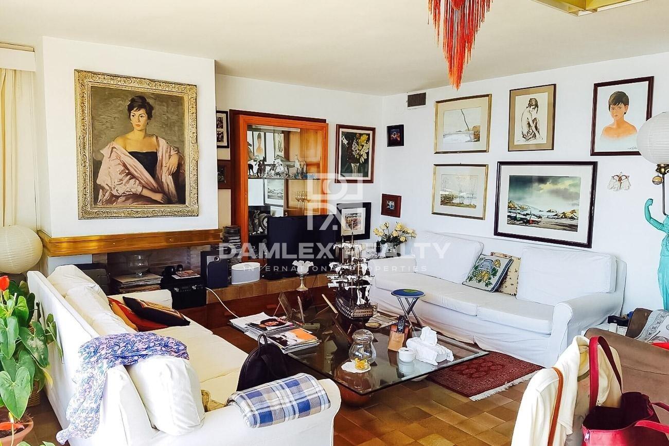 Two-floor apartment with stunning sea views. Costa de Brava