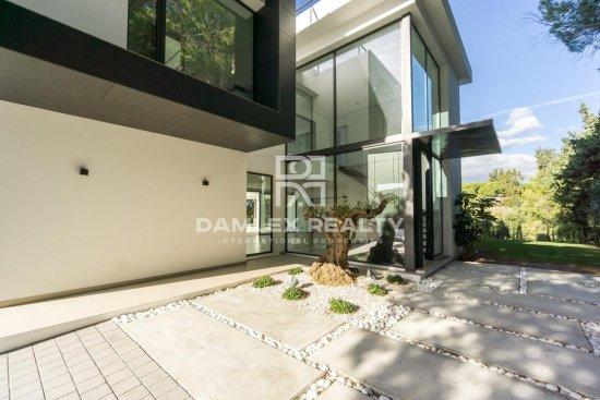 Exclusive villa with sea views, Marbella