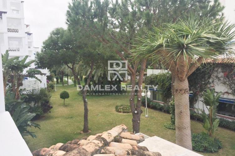 Apartment on the beach in Puerto Banus