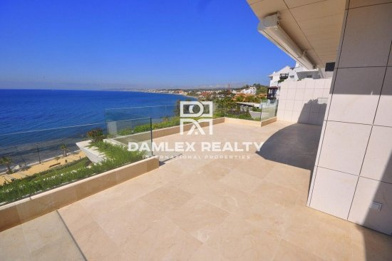 Apartments in a residential complex on the first line of the sea. Estepona