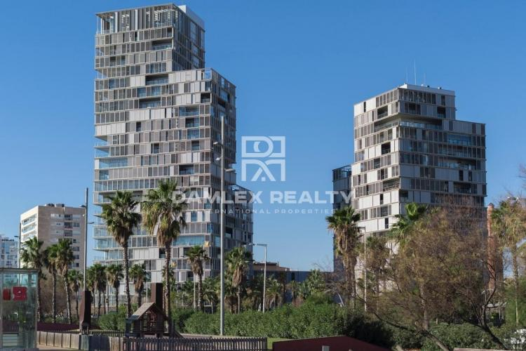 Two bedroom with a tourist license apartment for sale in Diagonal Mar