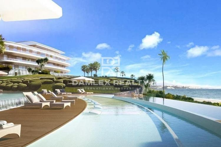 Apartments in Estepona in a prestigious complex on the first line of the sea