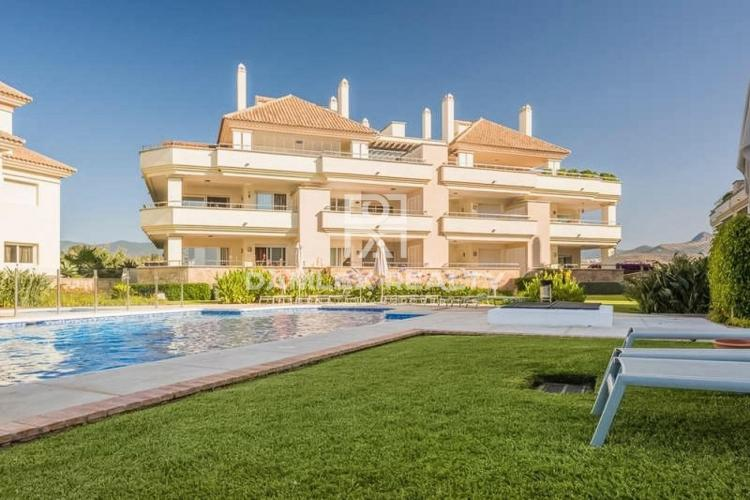 Apartment in Estepona near the beach of Guadalmansa in a complex with a garden and pool