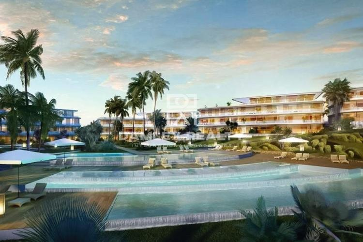 New apartments in an exclusive complex on the seafront in Estepona