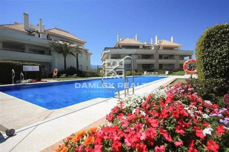 Apartments on the seafront in Estepona, the beach of Guadalmansa.