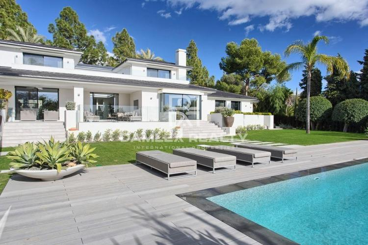 Beautiful villa two kilometers from the beach in Marbella