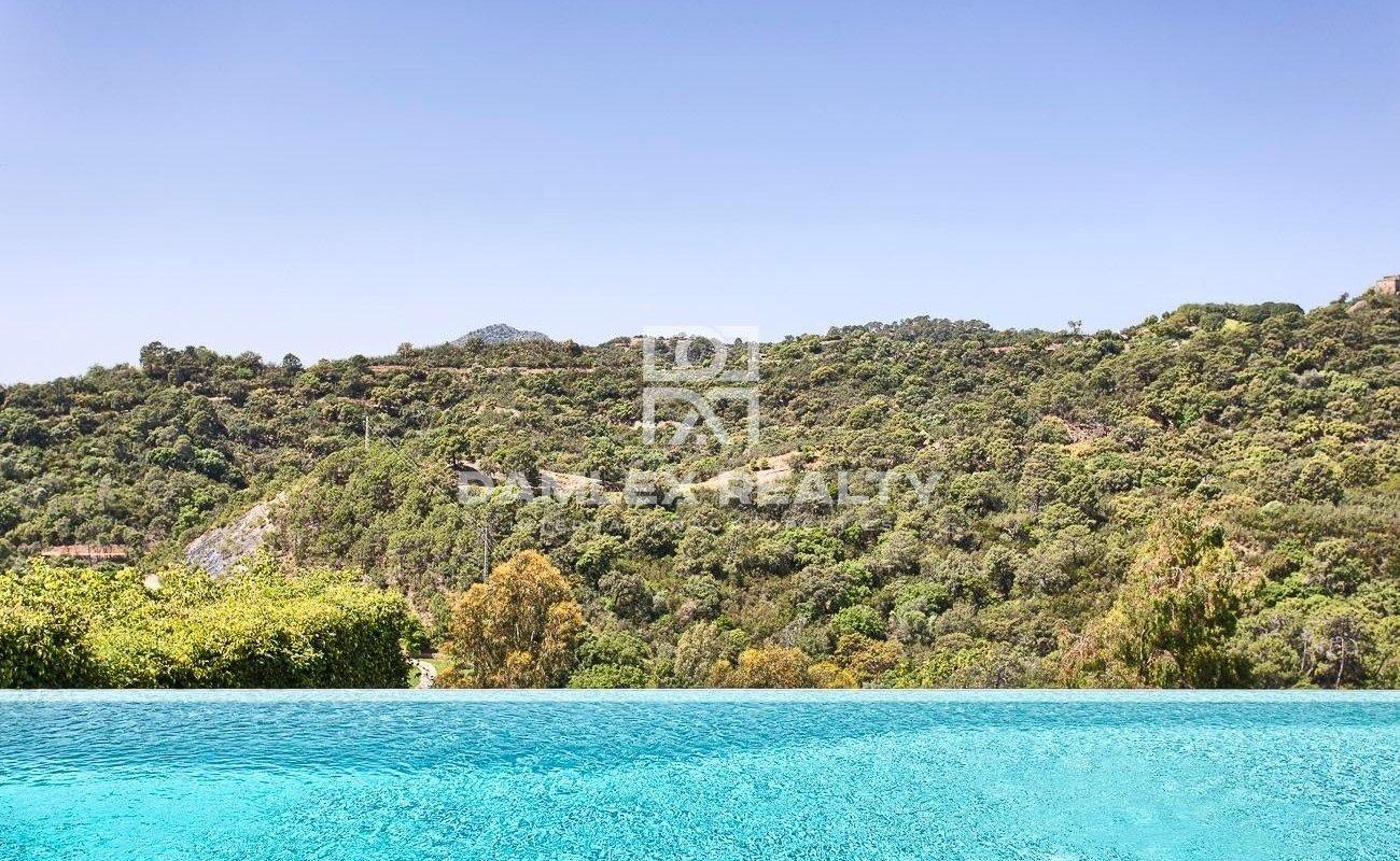 Large villa with panoramic views