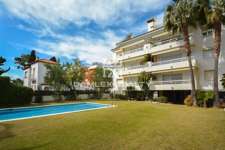 Apartment on the second line of the sea in Sitges.