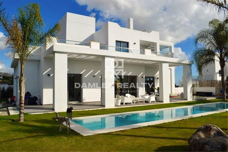 New villa on the Golden Mile in Marbella