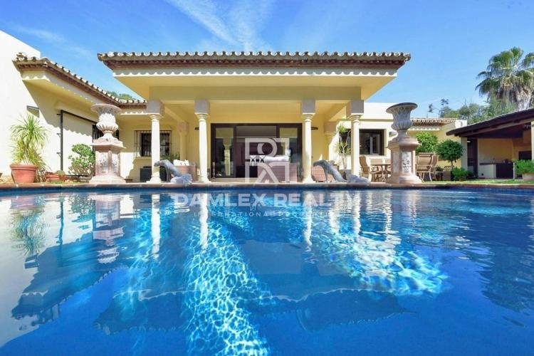 Villa in Estepona close to the beach