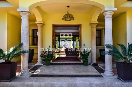Villa in Estepona close to the beach