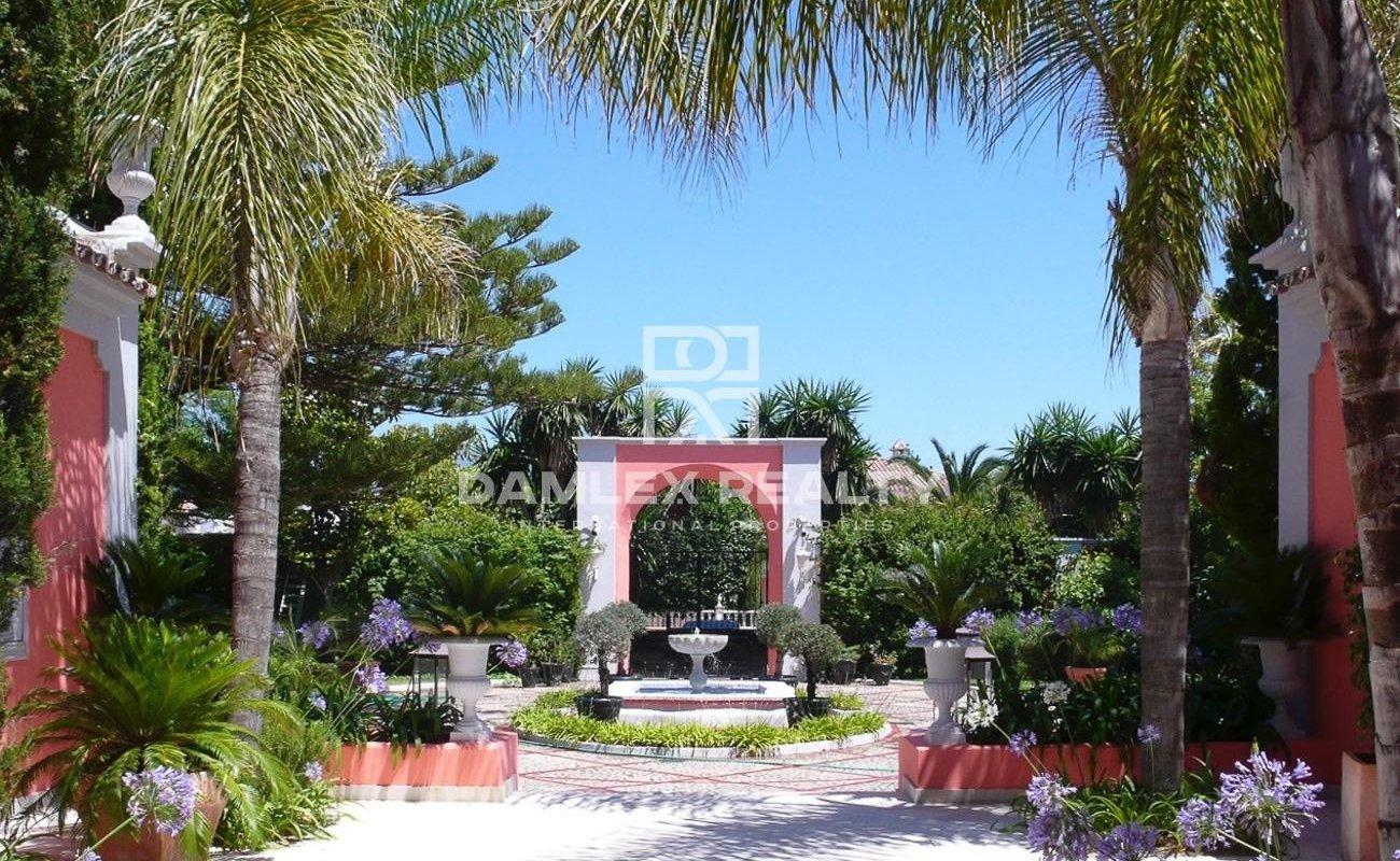 Luxury villa on the seafront in Marbella