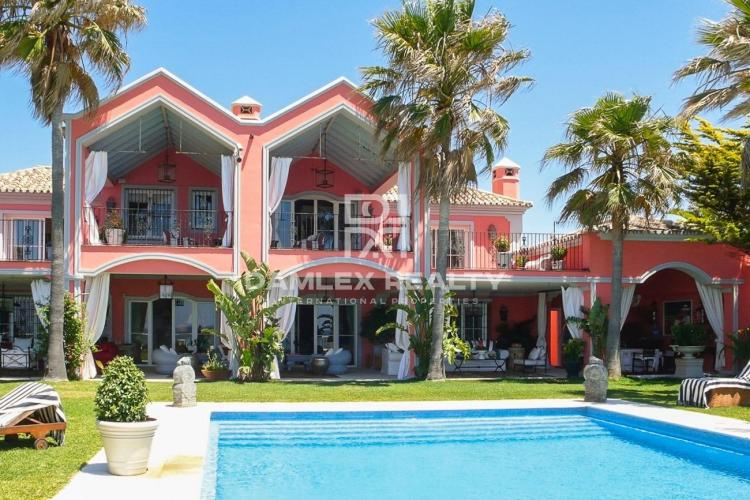 Luxury villa on the seafront in Marbella