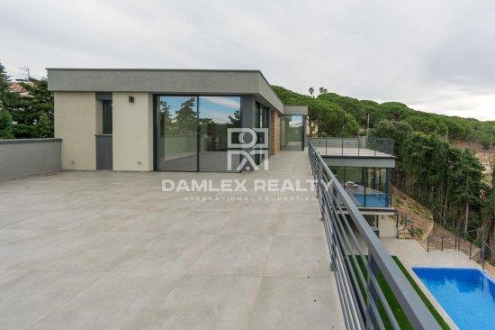 New villa in the urbanization of the city of Lloret de Mar