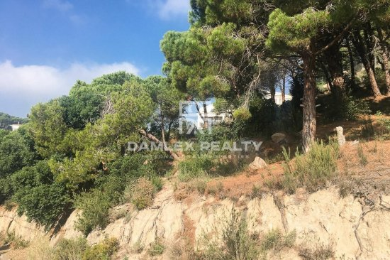 For sale two plots with panoramic sea views