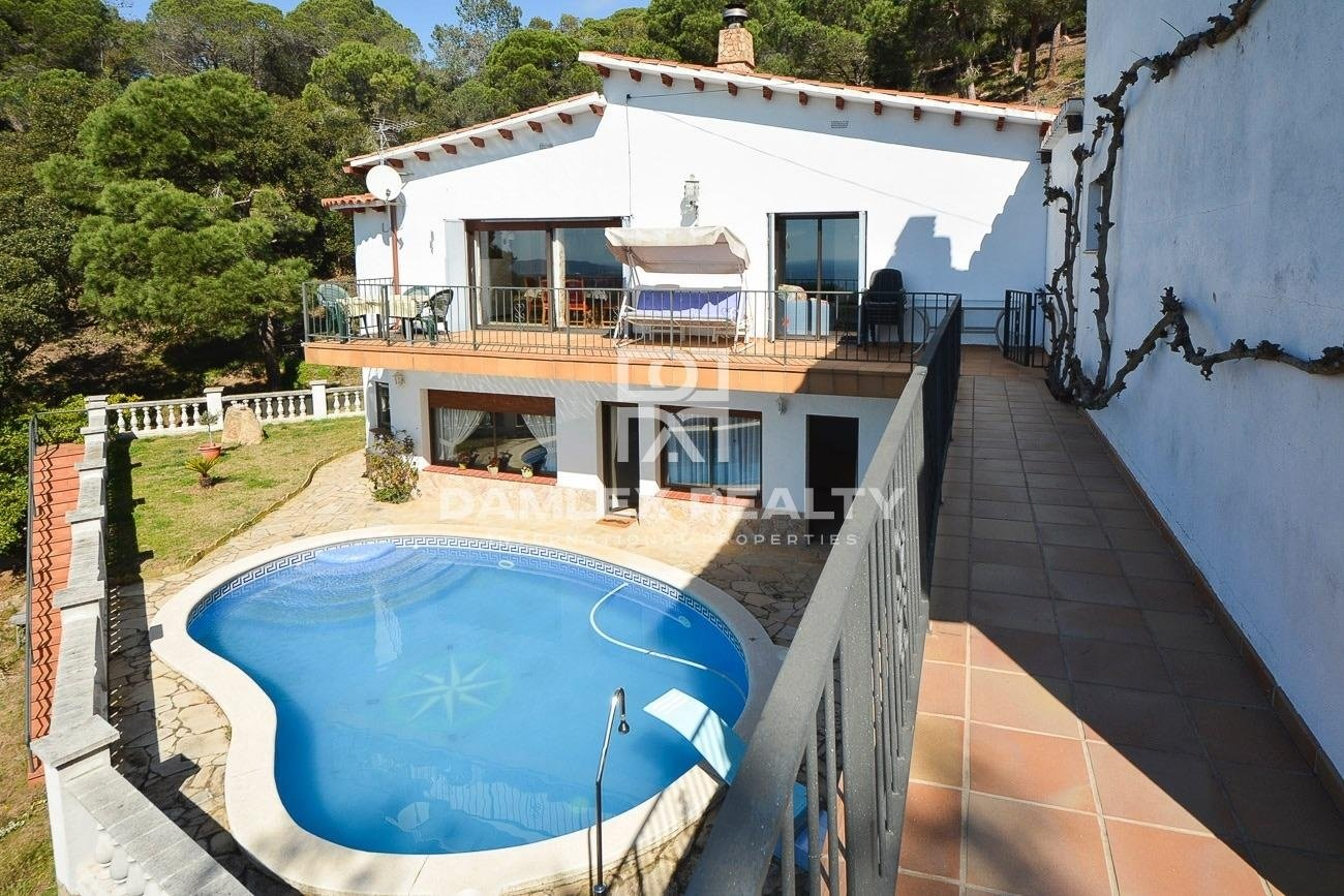House with sea views on the Costa Brava
