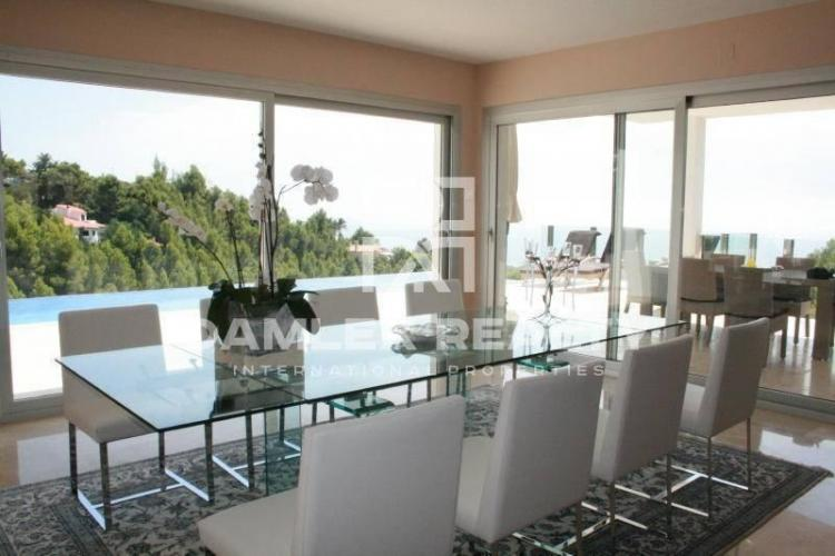 HOUSE / VILLA WITH 6 BEDROOMS, LAND 1600 M2, FOR SALE IN Altea, Costa Blanca