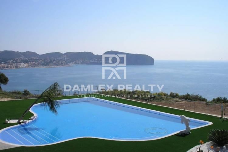 HOUSE / VILLA WITH 4 BEDROOMS, LAND 2258 M2, FOR SALE IN Moraira, Costa Blanca
