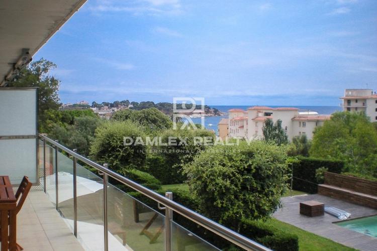 Apartment with sea views in Sant Feliu de Guíxols