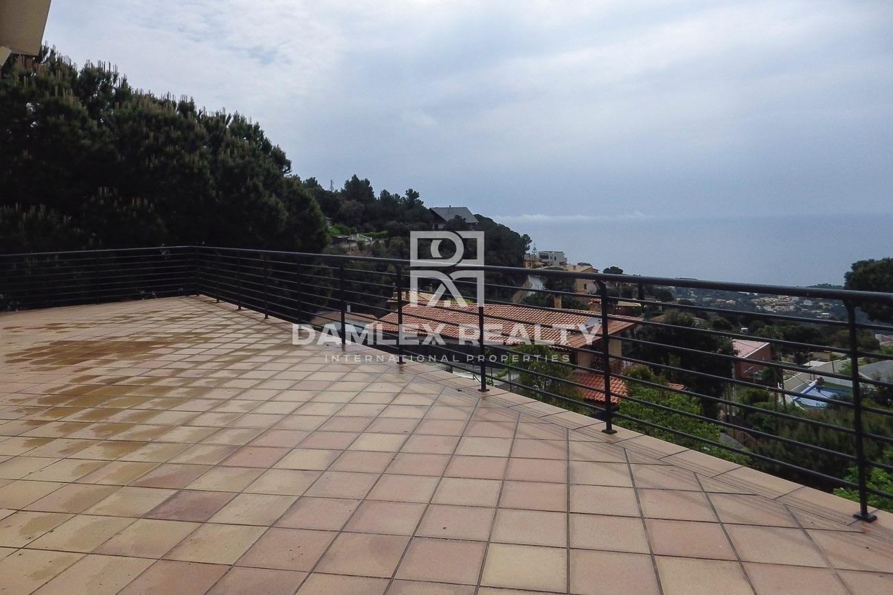 Great architect-designed house in Roca Grossa