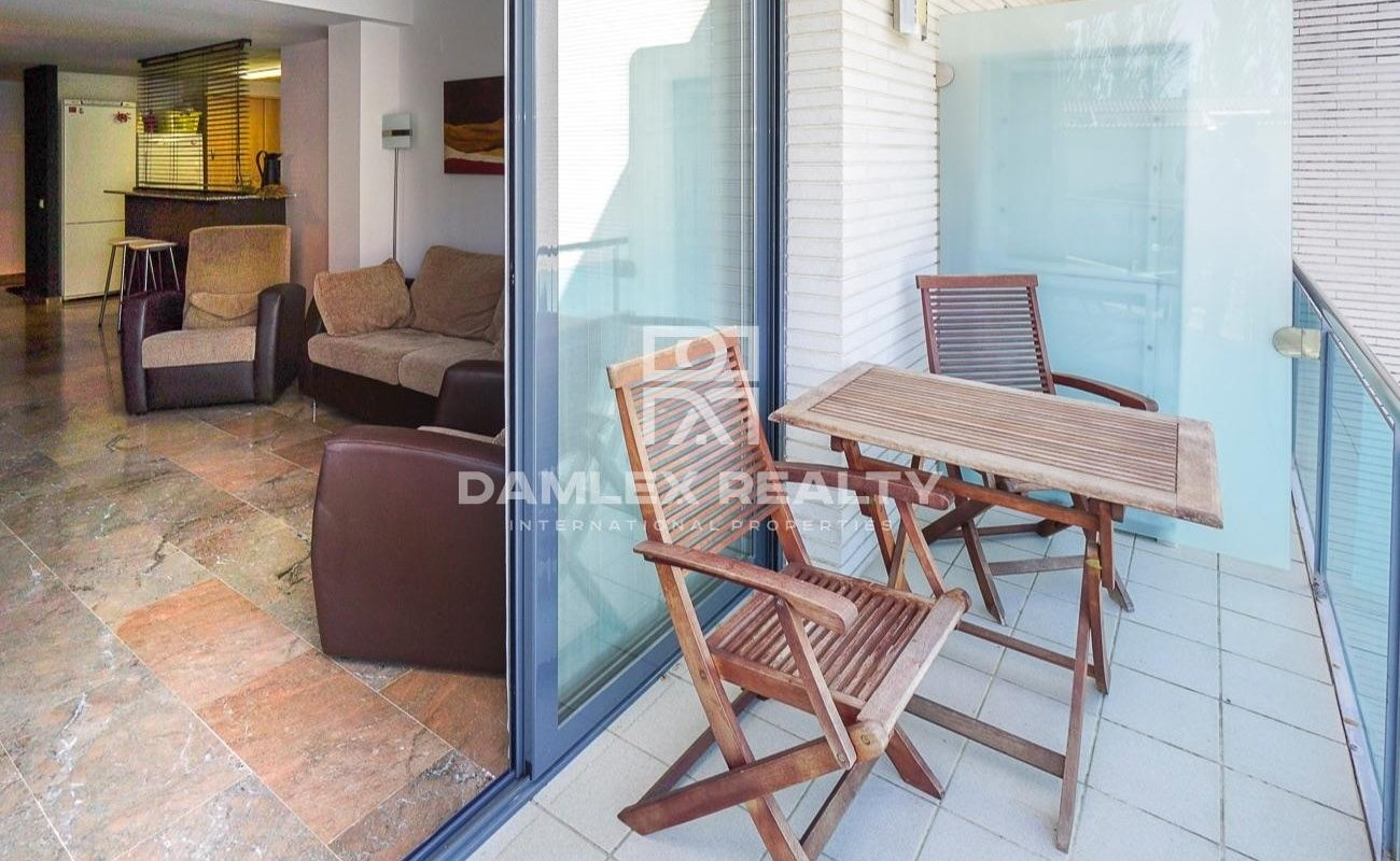 Apartment in a residential complex with fitness room and cinema in the Fenals area