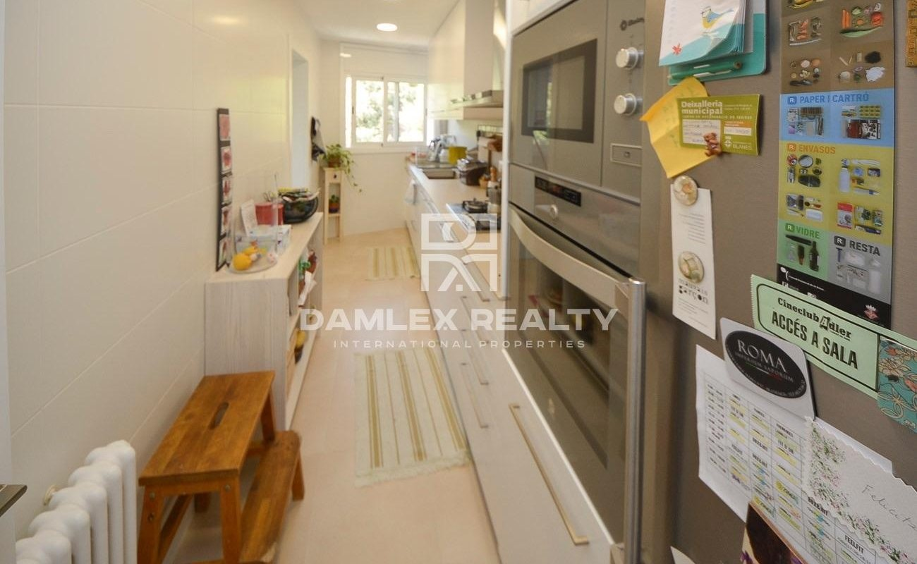 Completely renovated apartment in the center of Blanes with incredible forest views