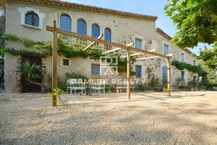 Exceptional typical stone house in Caldes de Malavella