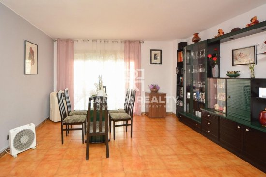 Apartment for sale only 10 min from the beach