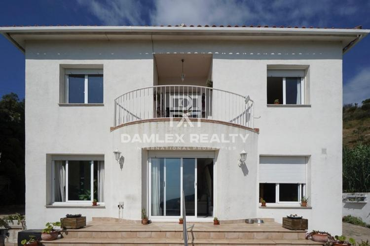 House in Aleia, 15 minutes from Barcelona