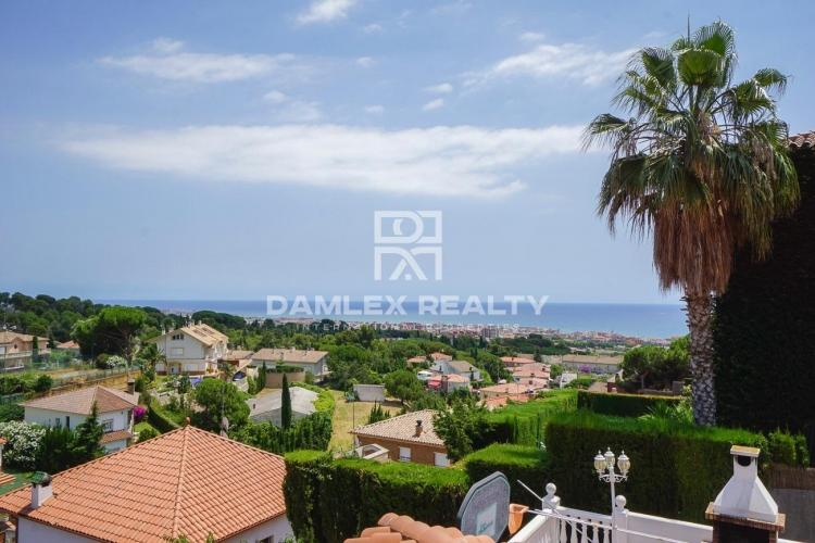 House / Villa with 5 rooms, plot 808m2, for sale in Premia de Dalt, Barcelona North Coast