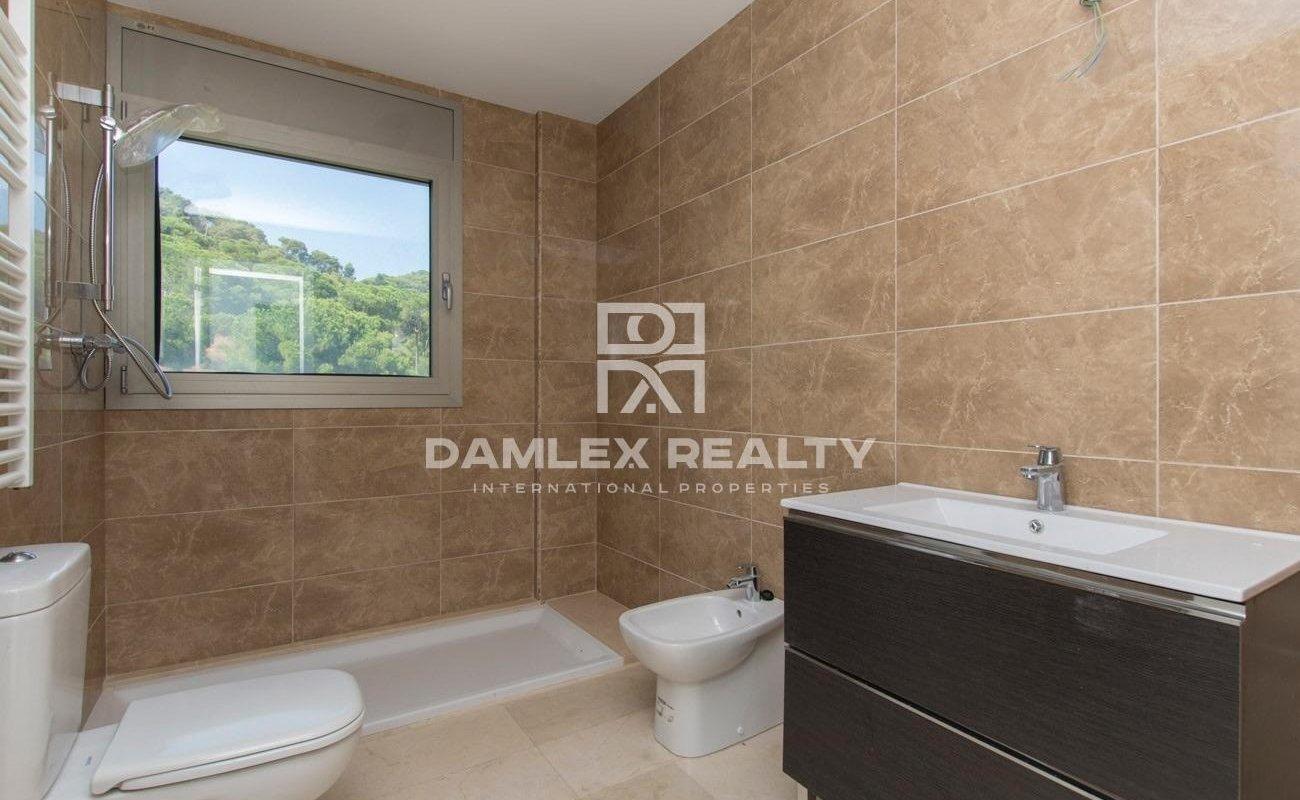 New villa in the urbanization of Cala San Francesc