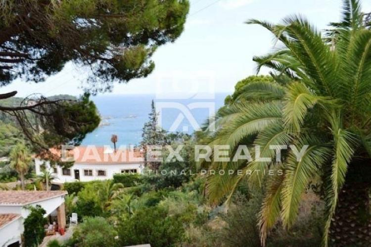 Land for construction with ready project in Costa Brava