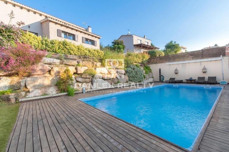 Villa with sea views in Teia, Barcelona.
